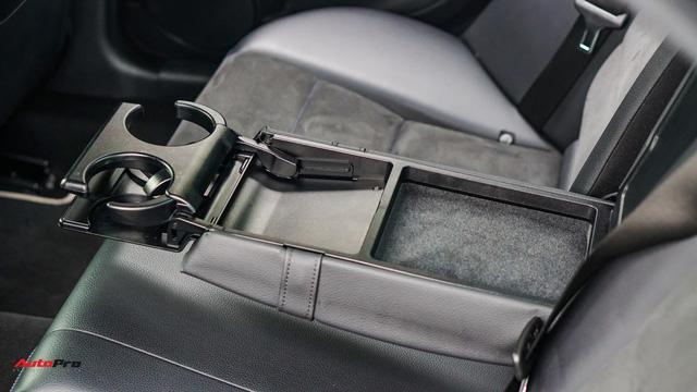 Mercedes-Benz C200 Edition C có gì để trở thành một mẫu xe cũ đáng mua? - Ảnh 18.