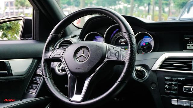 Mercedes-Benz C200 Edition C có gì để trở thành một mẫu xe cũ đáng mua? - Ảnh 9.