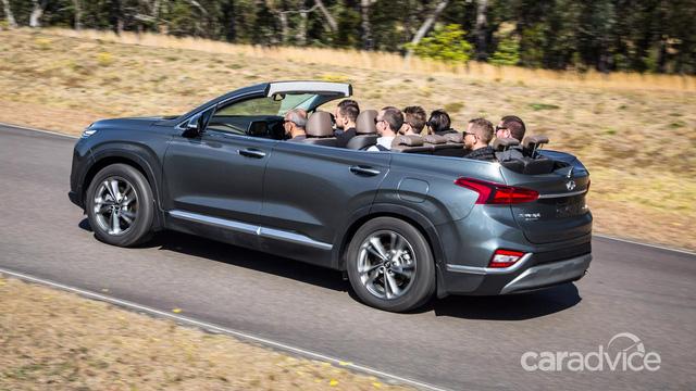 Hyundai Santa Fe mui trần bất ngờ ra mắt - Ảnh 2.