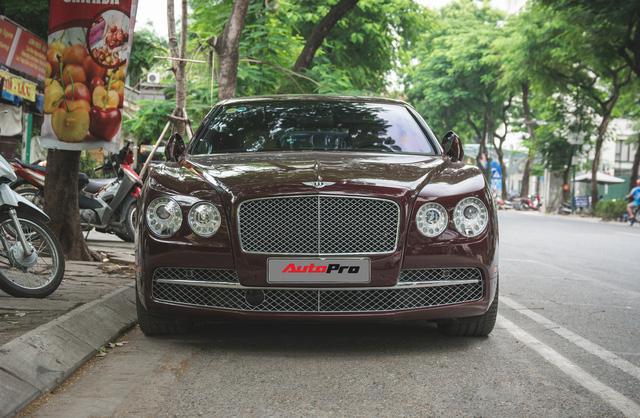 Bentley Continental Flying Spur màu lạ - Xe siêu sang cho đại gia Việt thích hàng độc - Ảnh 4.