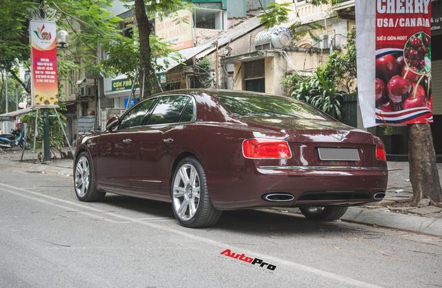 Bentley Continental Flying Spur màu lạ - Xe siêu sang cho đại gia Việt thích hàng độc - Ảnh 3.