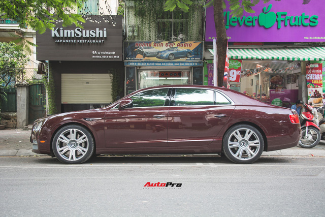 Bentley Continental Flying Spur màu lạ - Xe siêu sang cho đại gia Việt thích hàng độc - Ảnh 2.