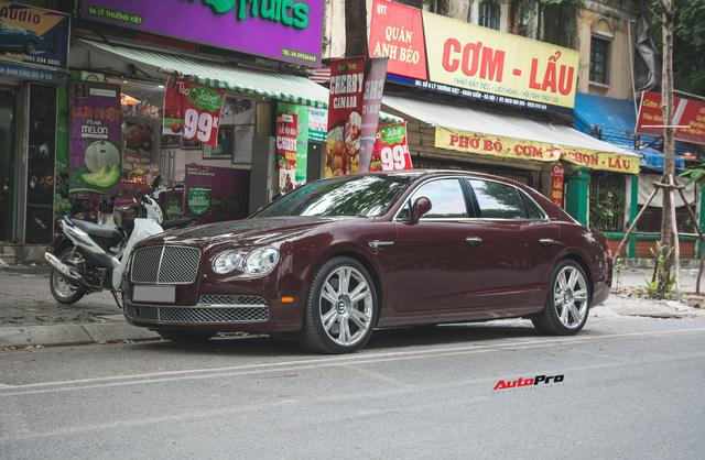 Bentley Continental Flying Spur màu lạ - Xe siêu sang cho đại gia Việt thích hàng độc - Ảnh 1.