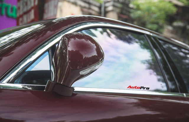 Bentley Continental Flying Spur màu lạ - Xe siêu sang cho đại gia Việt thích hàng độc - Ảnh 8.