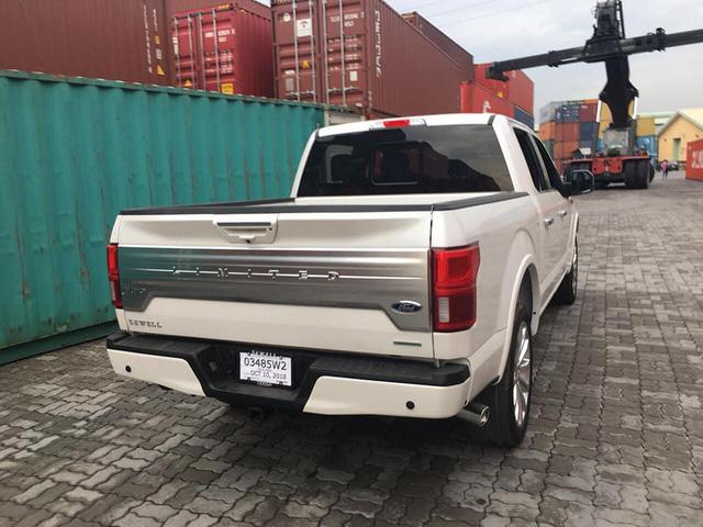 Siêu bán tải Ford F-150 Limited 2018 đầu tiên về Việt Nam - Ảnh 4.