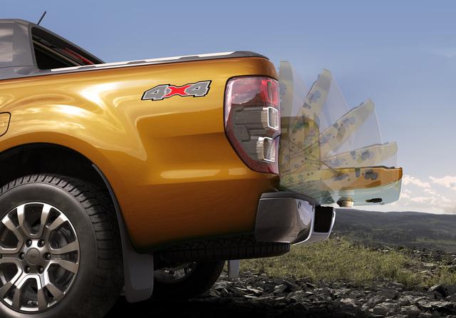 Ra mắt Ford Ranger 2018: 7 phiên bản, động cơ mới, 2 màu lạ, giá từ 630 triệu đồng - Ảnh 4.