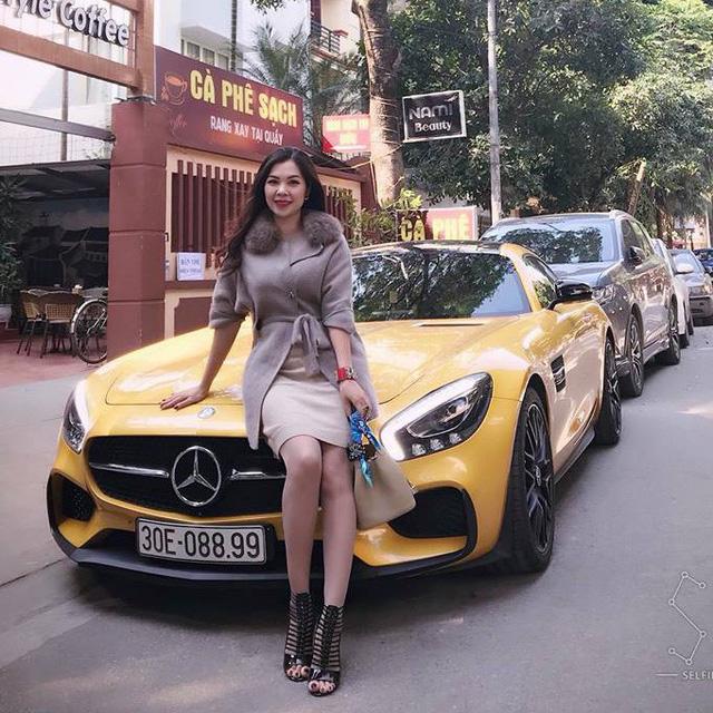 Nữ đại gia Hải Phòng bán Mercedes-Benz AMG GT-S Edition 1 màu vàng độc nhất Việt Nam sau 5.000 km - Ảnh 1.