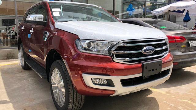 Khách hàng Việt phải chi thêm hàng chục triệu đồng cho phụ kiện để mua luôn Ford Everest