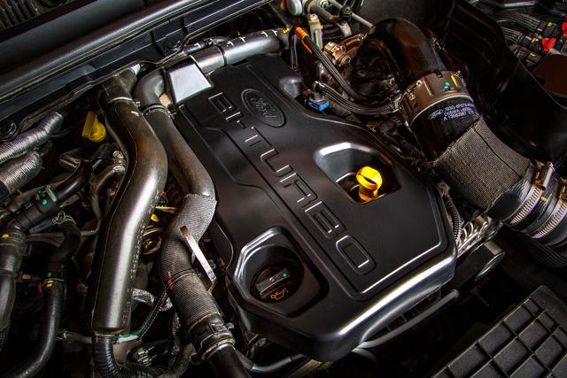 Ra mắt Ford Ranger 2018: 7 phiên bản, động cơ mới, 2 màu lạ, giá từ 630 triệu đồng - Ảnh 2.