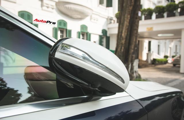 Đại gia Hà thành sắm Mercedes-Maybach S560 4Matic đầu tiên Việt Nam - Ảnh 7.