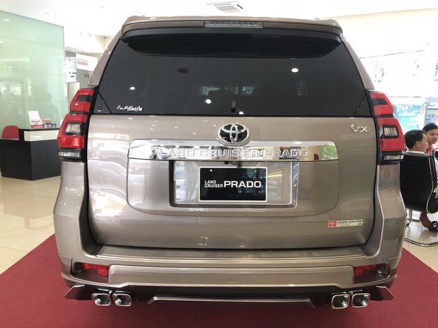 Toyota Land Cruiser Prado mới về Việt Nam, tăng giá gần 80 triệu đồng và chênh tiền phụ kiện - Ảnh 1.
