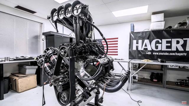 Lắp ráp động cơ 11.000 mã lực của dòng xe đua nhanh nhất thế giới cầu kỳ như thế nào? - Ảnh 1.