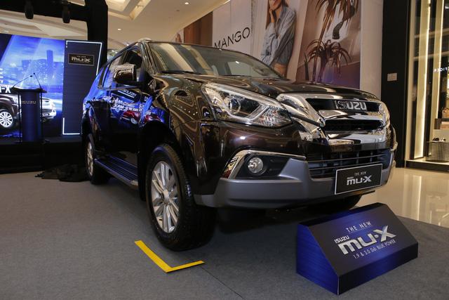Ra mắt Isuzu mu-X 2018: SUV 7 chỗ rẻ nhất Việt Nam - Ảnh 2.