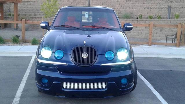 Bán tải Ford F-150 độ... Jaguar rao bán hơn 160 triệu đồng - Ảnh 2.