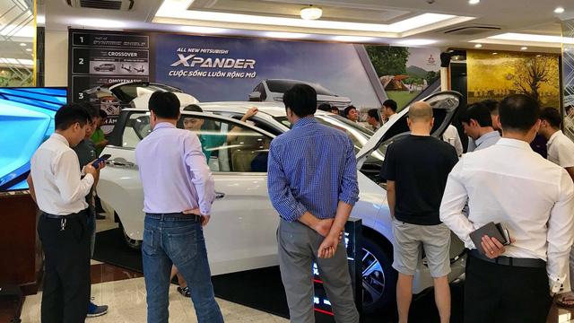 Khan hàng Mitsubishi Xpander, khách muốn mua phải chờ sang năm - Ảnh 1.