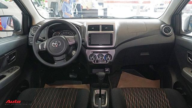 Đánh giá nhanh Toyota Wigo: Thua trang bị, thắng thương hiệu - Ảnh 6.