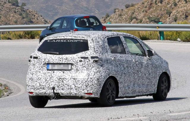 Honda Jazz 2020 lần đầu lộ diện, thách thức Toyota Yaris - Ảnh 4.