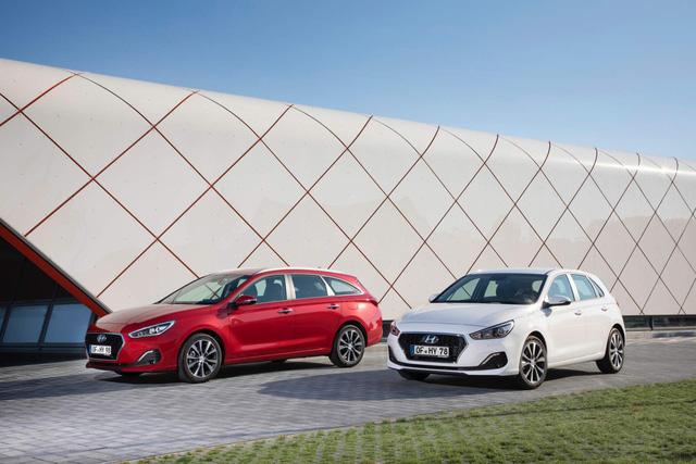 Hyundai i30 nâng cấp nhẹ để cạnh tranh Mazda3 - Ảnh 1.