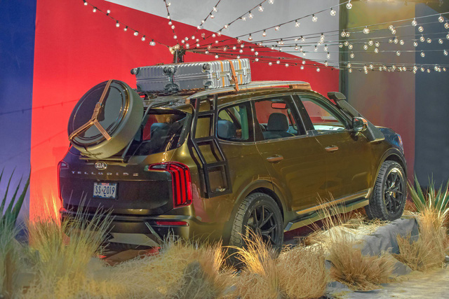 SUV 7 chỗ cỡ lớn Kia Telluride bất ngờ ra mắt bản độ trước cả bản chính thức - Ảnh 2.