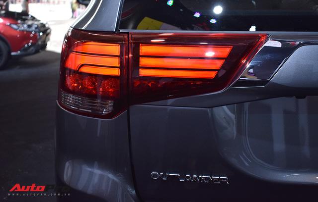 Chi tiết Mitsubishi Outlander lắp ráp trong nước giá từ 808 triệu đồng - Ảnh 12.