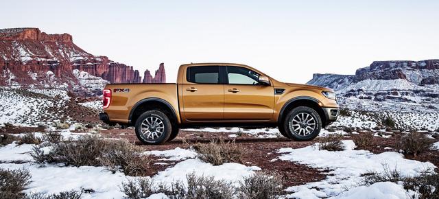 Ford Ranger mới ra mắt với động cơ EcoBoost và hộp số tự động 10 cấp - Ảnh 4.
