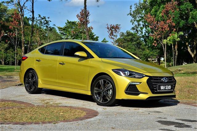 Năm mới, Hyundai Elantra động cơ tăng áp về Việt Nam với giá 688 triệu đồng? - Ảnh 6.