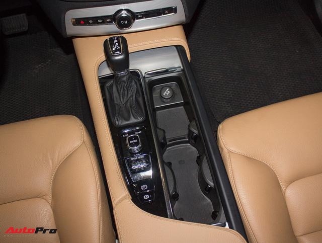 Volvo XC90 T6 lăn bánh hơn 27.000km được rao bán lại giá 3,1 tỷ đồng - Ảnh 17.
