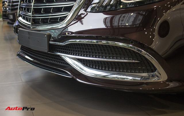 Cận cảnh Mercedes-Maybach S450 2018 - Sedan siêu sang giá 7,219 tỷ đồng - Ảnh 9.