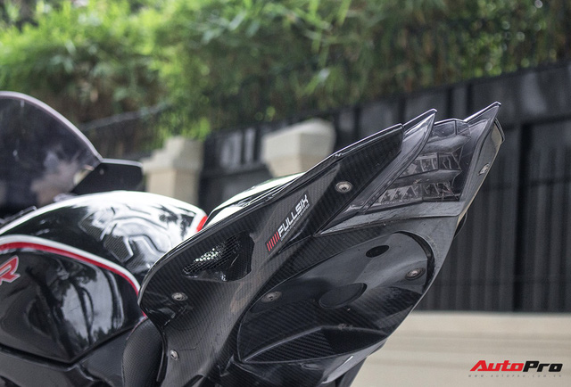 Siêu mô tô BMW S1000RR đời 2014 rao bán lại giá ngang Hyundai Grand i10 - Ảnh 18.