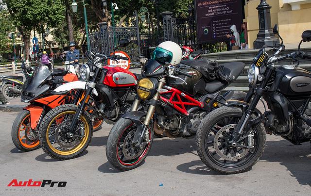 Dàn ô tô, mô tô phân khối lớn mang cờ tổ quốc xuống cổ vũ U23 Việt Nam - Ảnh 5.