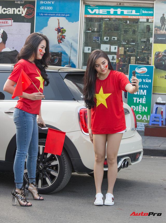 Dàn ô tô, mô tô phân khối lớn mang cờ tổ quốc xuống cổ vũ U23 Việt Nam - Ảnh 22.