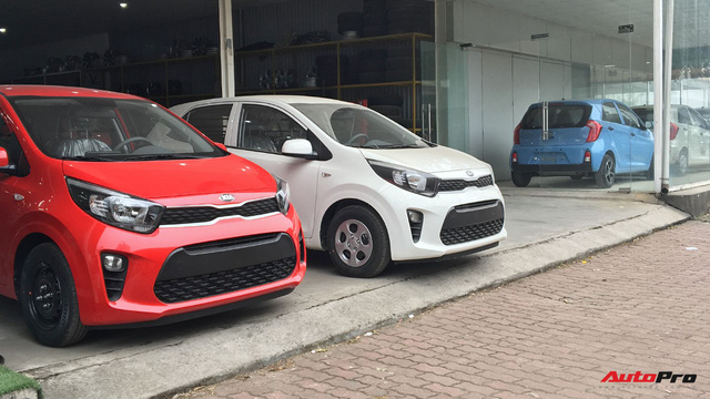 Xe van 2 chỗ Kia Morning và Chevrolet Spark nhập khẩu khó sống trong năm 2018 - Ảnh 1.