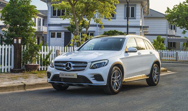 Tăng giá mạnh, Mercedes-Benz GLC vẫn hút khách phổ thông tại Việt Nam - Ảnh 1.