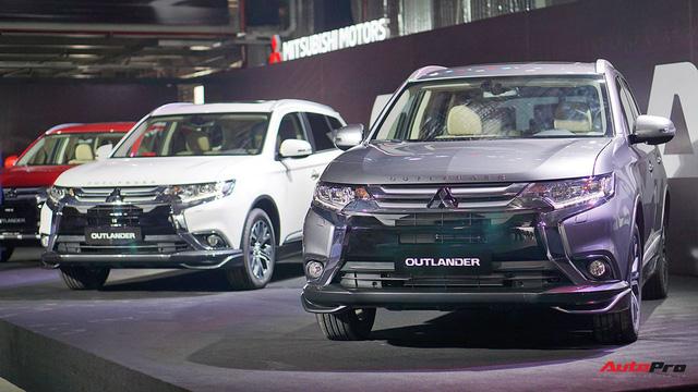 """Vừa xuất xưởng, Mitsubishi Outlander nhanh chóng """"cháy hàng"""", không có xe giao đến tận sau Tết - Ảnh 1."""
