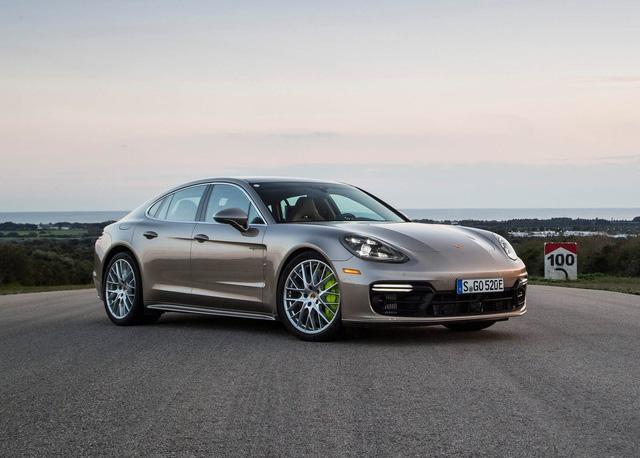 Doanh số Porsche vượt tổng các đối thủ chính cộng lại - ảnh 2