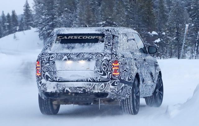 Cạnh tranh Lamborghini Urus, Range Rover Coupe 2 cửa lần đầu lộ diện - Ảnh 1.