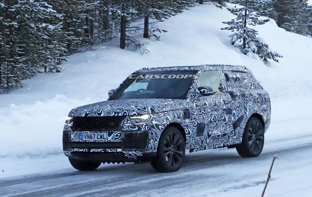 Cạnh tranh Lamborghini Urus, Range Rover Coupe 2 cửa lần đầu lộ diện - Ảnh 2.