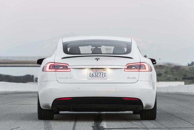 Chồng siêu mẫu Ngọc Thạch tậu Tesla Model S tăng tốc từ 0 – 100 km trong 2,7 giây - Ảnh 6.