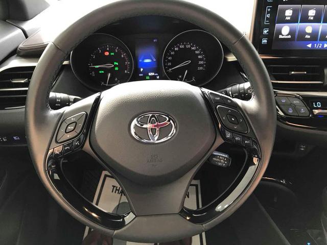 Toyota C-HR turbo về Việt Nam ngang tầm giá Mercedes-Benz GLC - Ảnh 8.