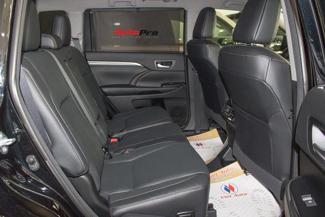 Toyota Highlander Limited 2017 về Việt Nam, giá cao hơn Land Cruiser chính hãng - Ảnh 21.