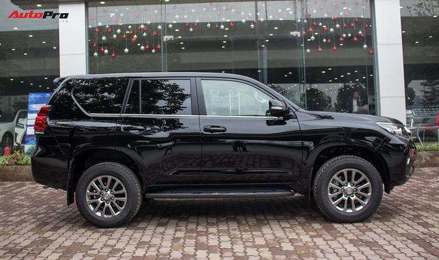 Khám phá Toyota Land Cruiser Prado 2018 giá hơn 2,2 tỷ đồng tại Việt Nam - Ảnh 6.