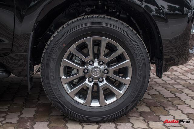 Khám phá Toyota Land Cruiser Prado 2018 giá hơn 2,2 tỷ đồng tại Việt Nam - Ảnh 10.