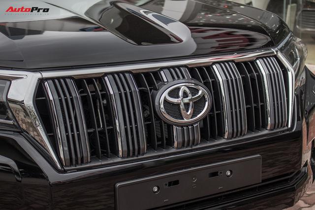 Khám phá Toyota Land Cruiser Prado 2018 giá hơn 2,2 tỷ đồng tại Việt Nam - Ảnh 8.