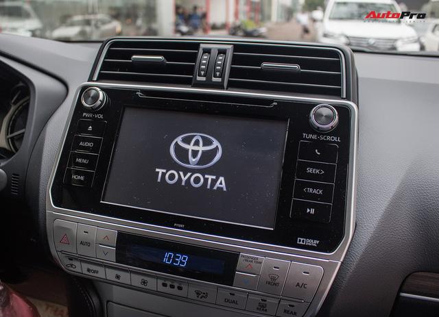 Khám phá Toyota Land Cruiser Prado 2018 giá hơn 2,2 tỷ đồng tại Việt Nam - Ảnh 15.