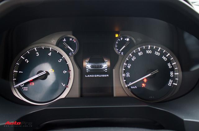 Khám phá Toyota Land Cruiser Prado 2018 giá hơn 2,2 tỷ đồng tại Việt Nam - Ảnh 17.
