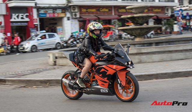Dàn ô tô, mô tô phân khối lớn mang cờ tổ quốc xuống cổ vũ U23 Việt Nam - Ảnh 11.