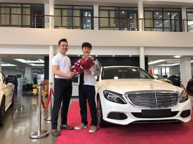 Xế hộp bạc tỷ gắn liền với những game streamer Việt Nam nổi bật trong năm 2018: Có cả siêu xe BMW i8 - Ảnh 3.
