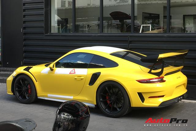 Sau hai chiếc Porsche 911 GT2 RS, Porsche 911 GT3 RS phiên bản facelift cũng chính thức cập bến Việt Nam - Ảnh 2.