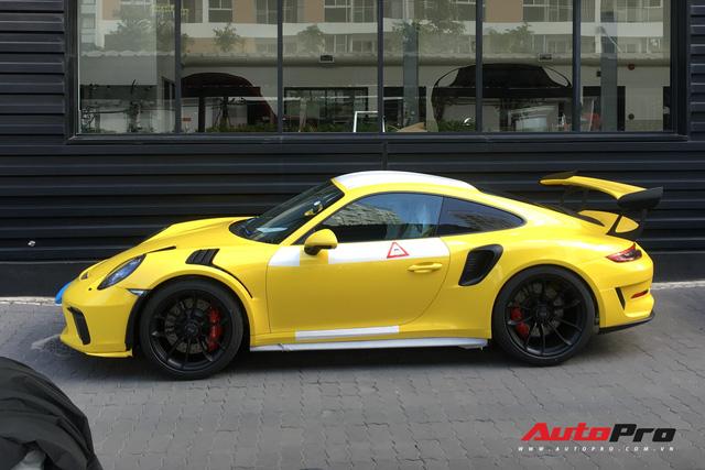 Sau hai chiếc Porsche 911 GT2 RS, Porsche 911 GT3 RS phiên bản facelift cũng chính thức cập bến Việt Nam - Ảnh 4.