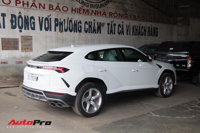 Siêu SUV Lamborghini Urus đầu tiên Việt Nam của Minh Nhựa ra biển lộc - Ảnh 4.